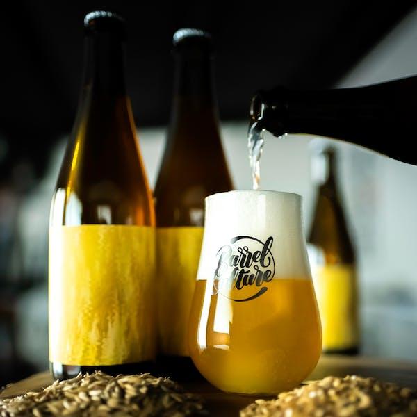 BACU_GoldenBlend_Pour
