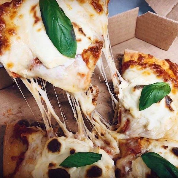 Fam Pizza