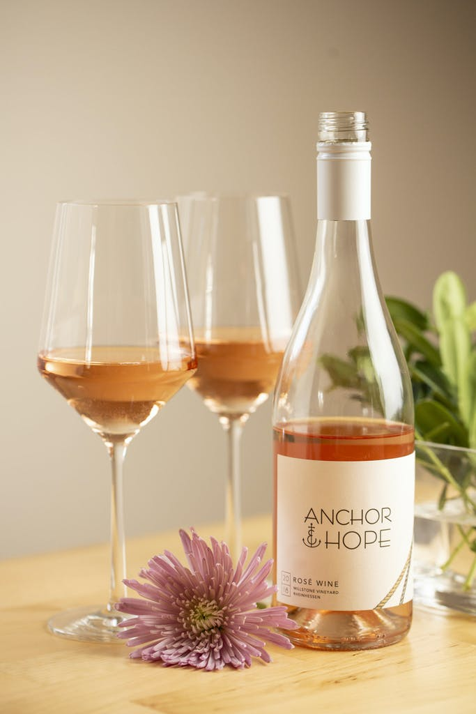 Anchor & Hope_Lifestyle Poured Wine-5