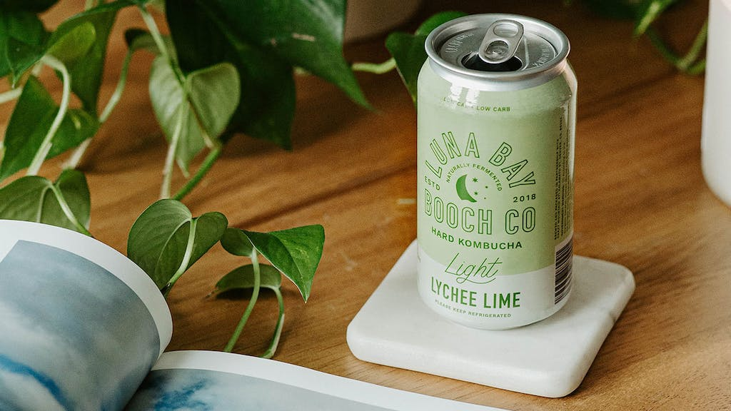 Luna Bay Light Lychee Lime can