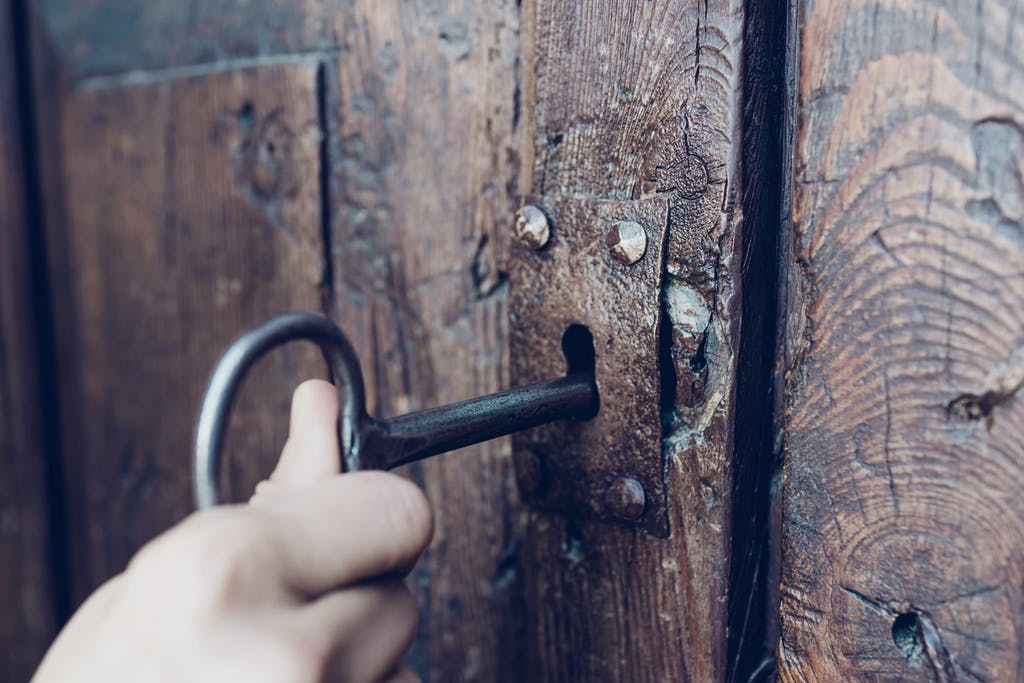 old-wood-door-key-web