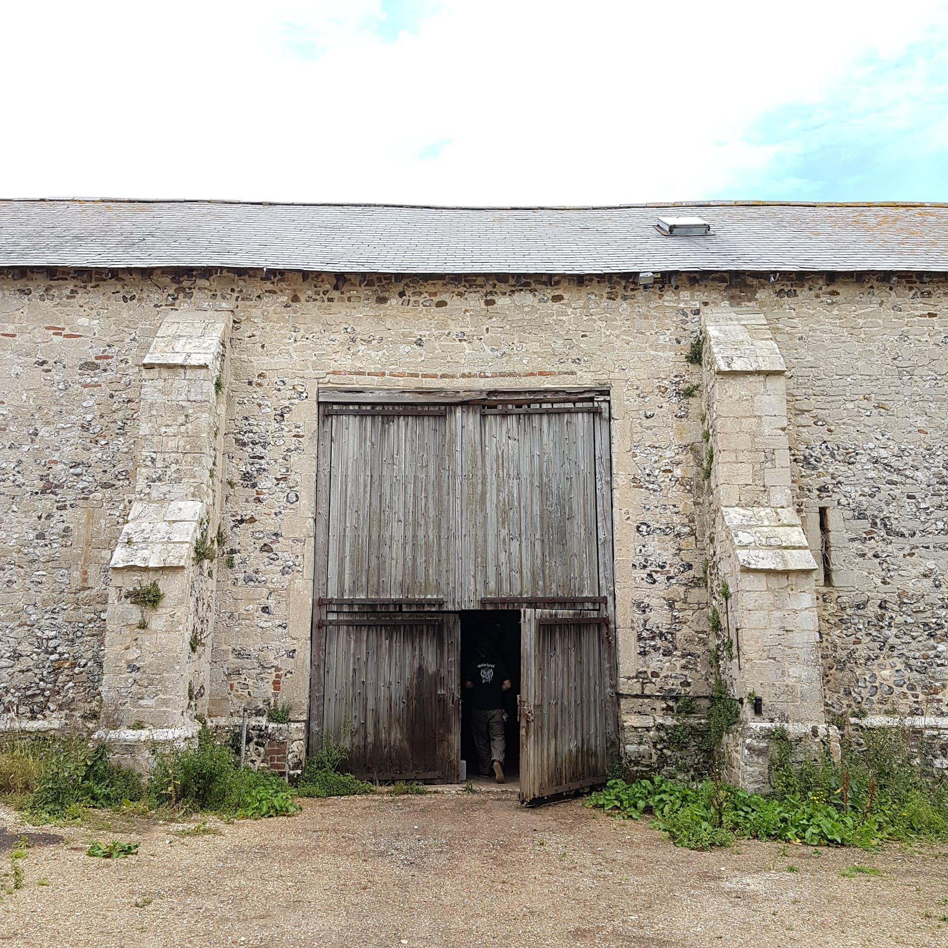 barn door square on