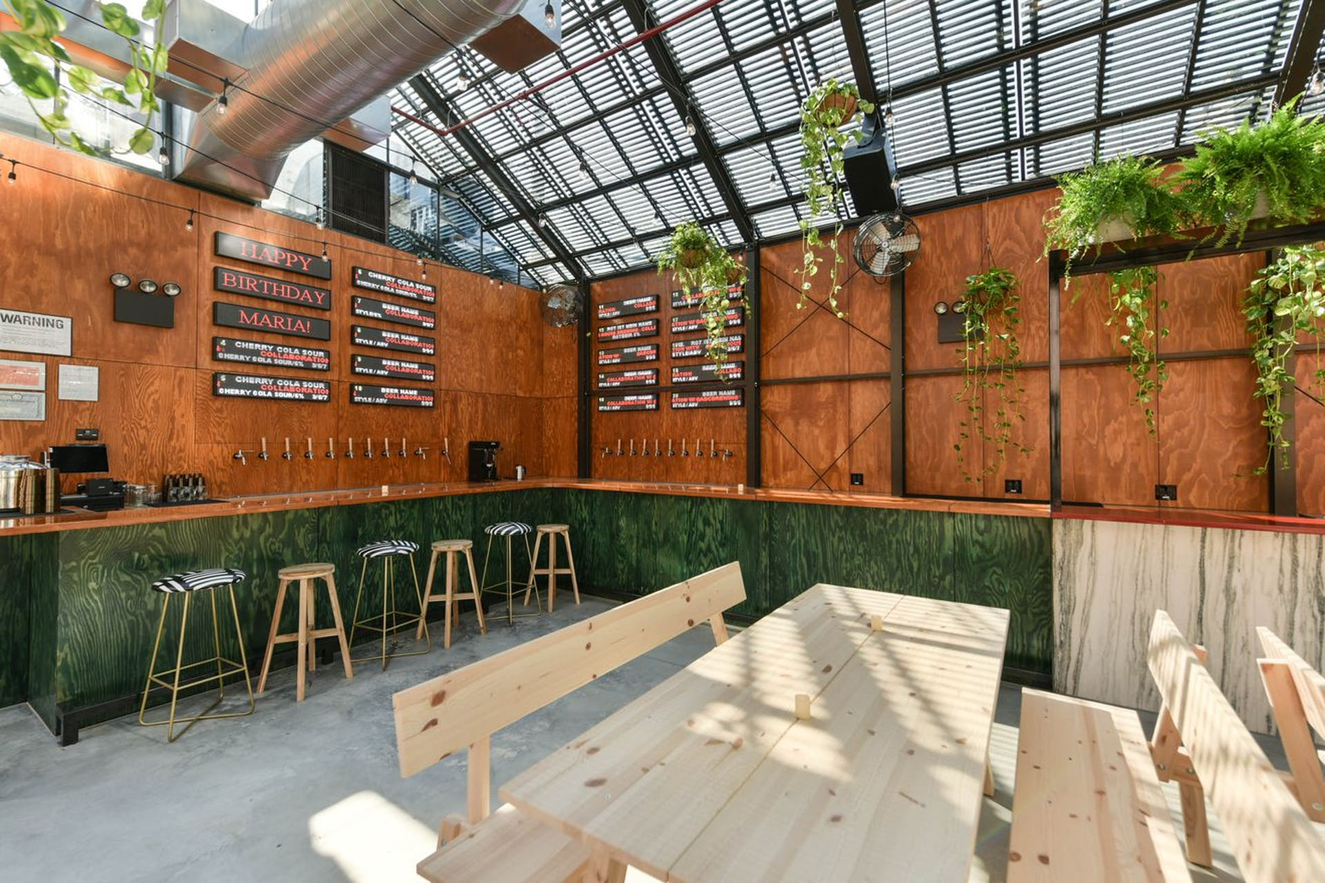 INTERIOR_EVIL_TWIN_BREWERY_13