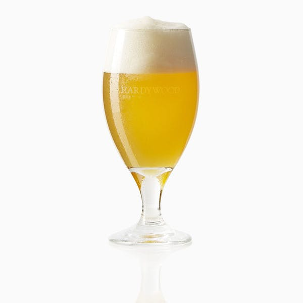 01_Peach_Tripel_062_Glass