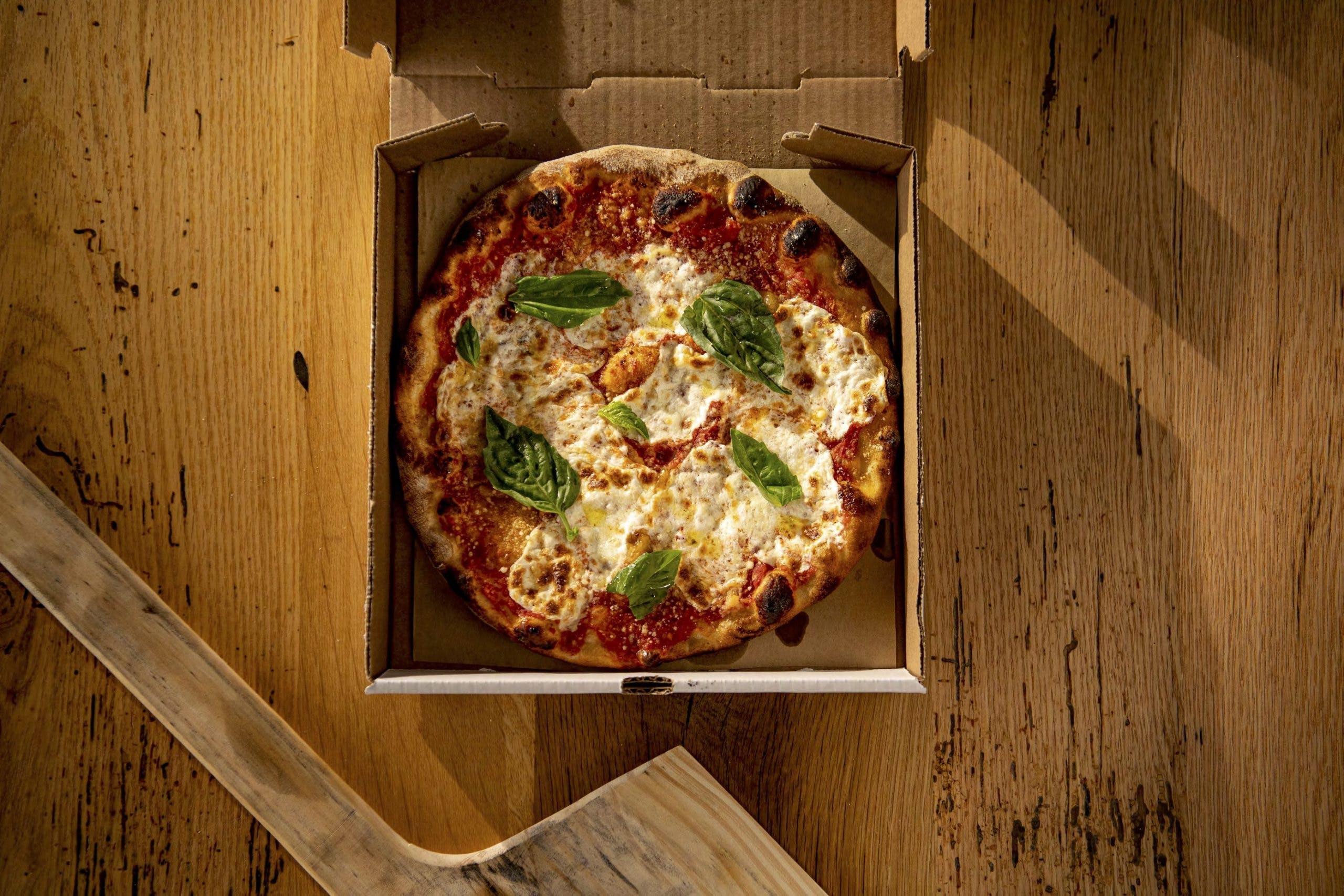 HardywoodPizza_margherita2
