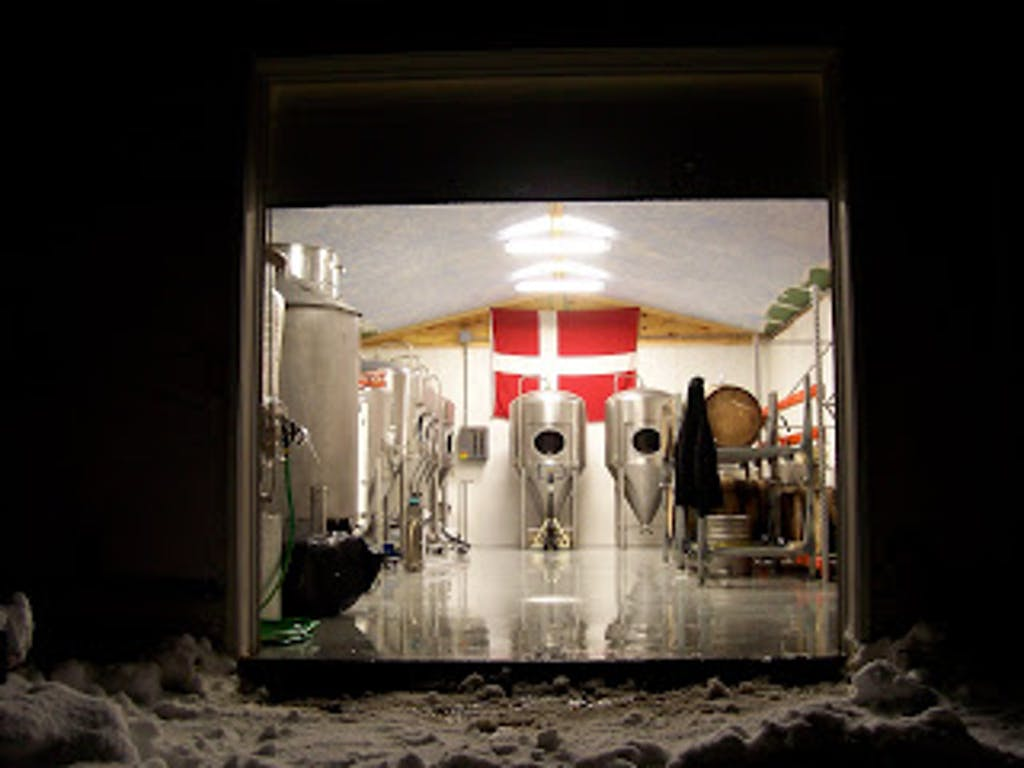 snow-flag-brewery