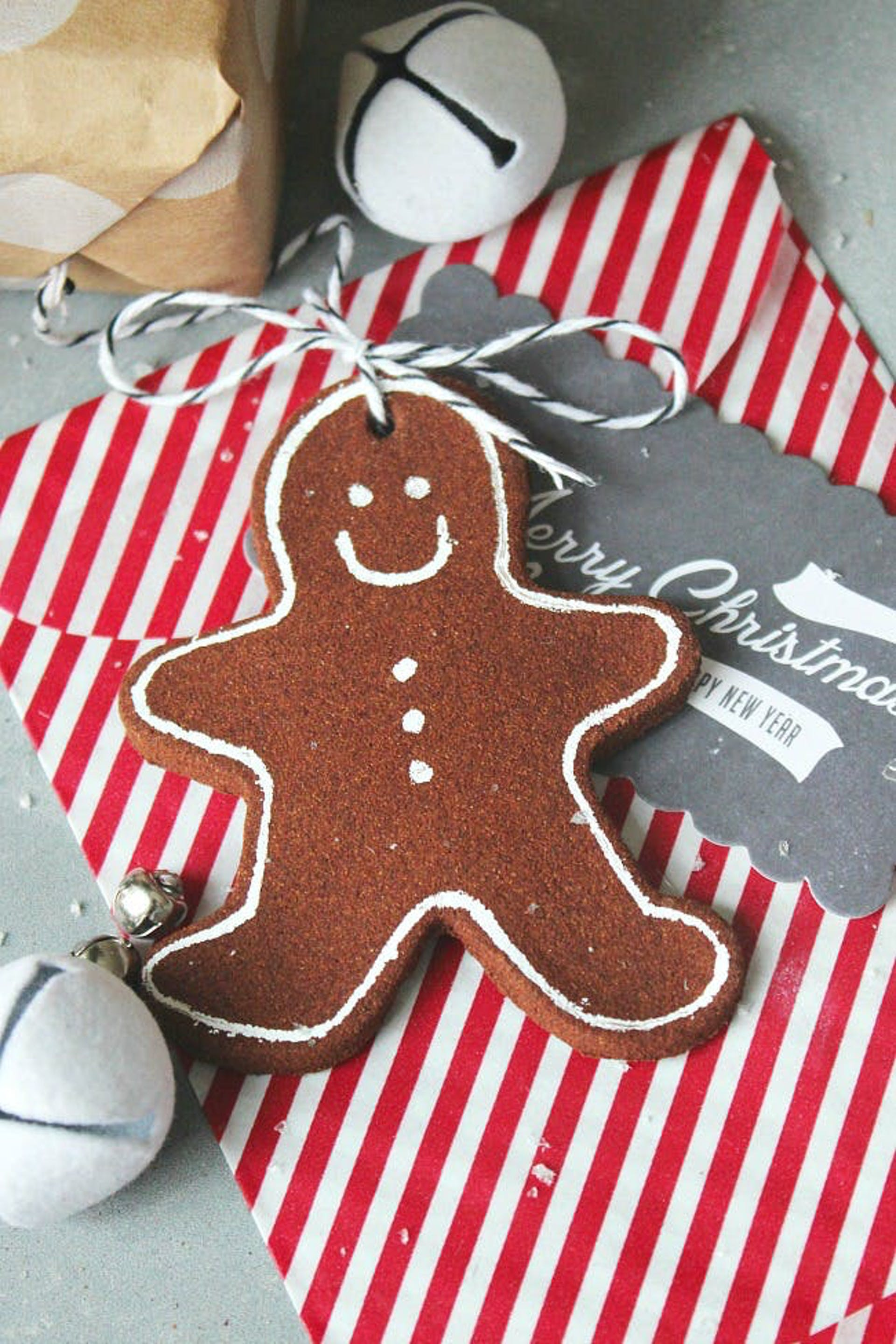 Cinnamon-Ornaments-from-Clean-and-Scentsible