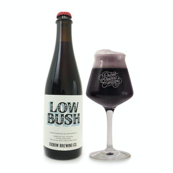 low_bush_bottle_and_glass_pour_2
