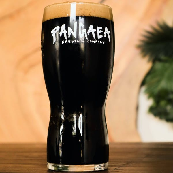 Dry Irish Stout with a roasted and smoked malt forward taste and a smooth finish.