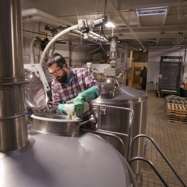 Government shutdown a stinging blow to Maine's craft breweries